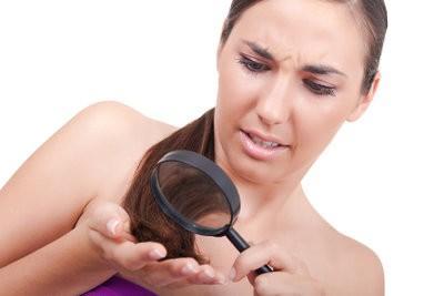 split Cut se termine - donc supprimer les pointes de cheveux malsains