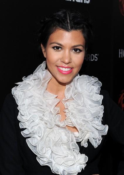 """Orange est le nouveau noir """"Cast Nouvelles Netflix: Kourtney Kardashian réagit après Embrasser 'OITNB' Star Jackie Cruz"""