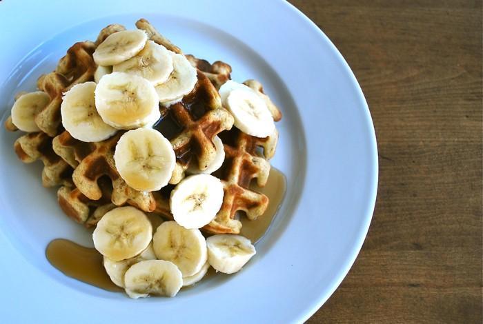 Épicées Banana Quinoa Gaufres: délicieux et nutritifs