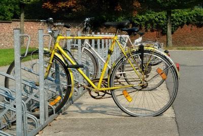 Construire des abris de vélos en bois - comment cela fonctionne: