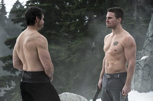 «Flèche» Saison 3 Episode 18 spoilers: Will Oliver accepter l'offre de Al Ghul de Ra 'Public Enemy?  [Voir]