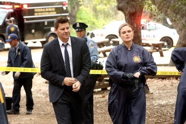 Saison 10 Finale spoilers 'Bones': Booth Starts jeu, Arastoo dans Kidnapped [Voir]