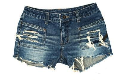 Des jeans effilochés short