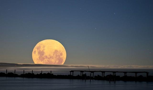 Supermoon Streaming: Où voir le plus beau et Lune de l'année, à l'extérieur ou en ligne