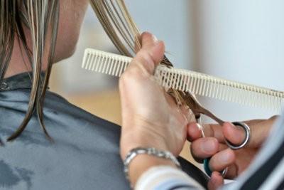Faire coupe en couches avec une frange lui-même - si ça va marcher