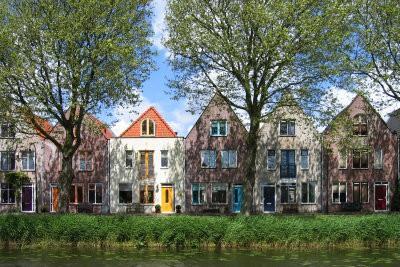 le développement de limite au voisin - qui est observée