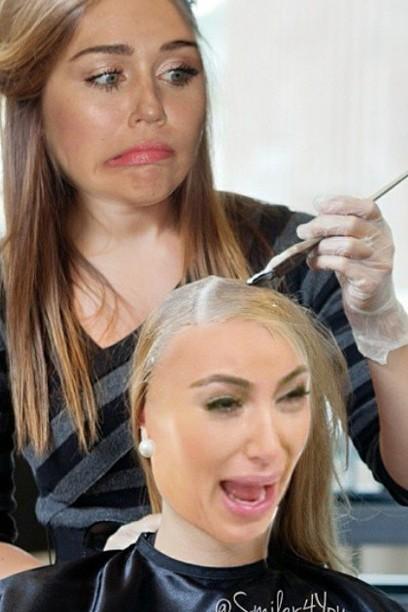 Nouvelle couleur de cheveux: Miley Cyrus rire à Kim Kardashian