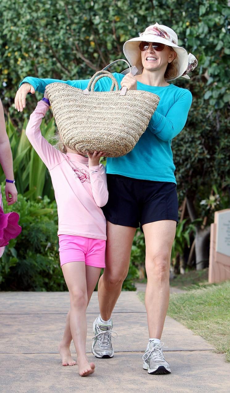 Celebrity mamans en proie à la cellulite Just Like Us!  (Photos)