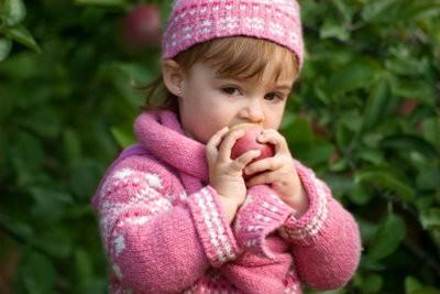Pour le bébé tricoter une écharpe - comment cela fonctionne: