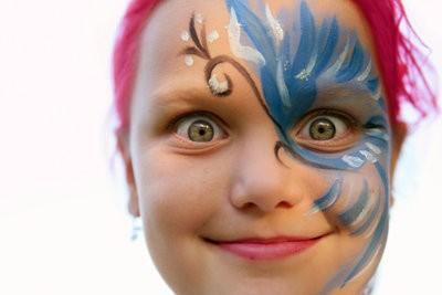 La coloration des cheveux - comment cela fonctionne rapidement pour une fête costumée