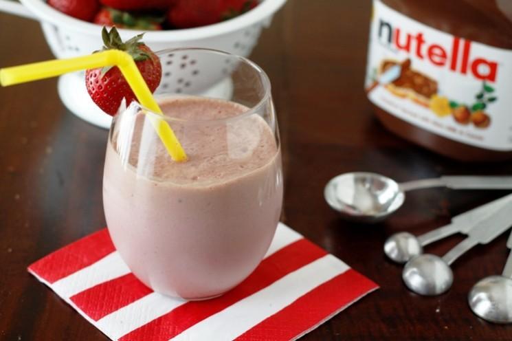 Bouger les choses avec un Nutella Smoothie fraise