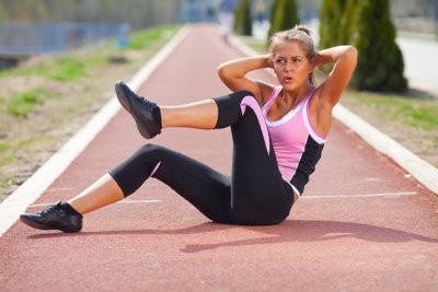 Bauchtrainer - effectuer des exercices correctement
