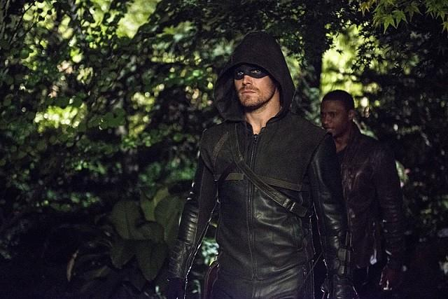 La CW 'Arrow' Saison 3, Episode 5 spoilers: Arrow et Ted 'Wildcat' Grant Face Off dans «coupable» [Visualisez]