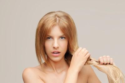 Que faire à propos de pointes fourchues?  - Comment prendre soin de vos cheveux sains
