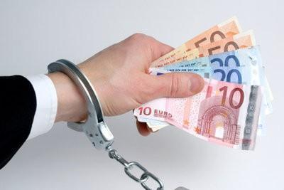 Volé de l'argent du compte?  - Que pouvez-vous faire avec les débits incompréhensibles