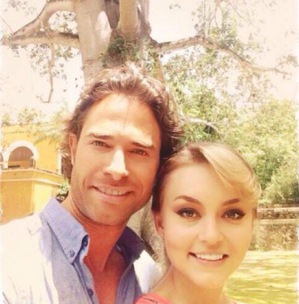 Sebastián Rulli 'Lo Que La Vida Me Robo «2014 & Twitter, Instagram: Ont-Angelique Boyer et Rulli avoir un séjour romantique à Cancun?