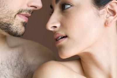 Taille de la barbe sans trimmer - comment il fonctionne avec une paire de ciseaux