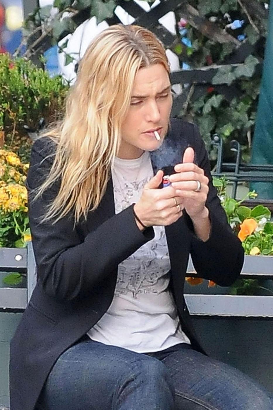 Des photos de célébrités qui fument