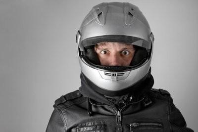 Peser les inconvénients et les avantages de casque flip-up