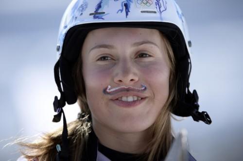 Pourquoi les filles Dans moustaches est une chose