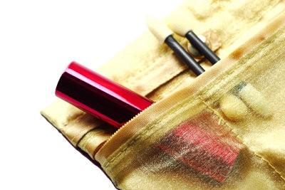 Les produits qui utilisent les maquilleurs - reconnaître de haute qualité maquillage