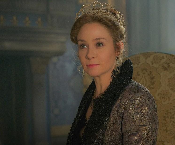 «Règne» Saison 2 Episode 22 spoilers: Catherine cherche à se venger sur Marie, rencontre la reine Elizabeth dans «Graver» [Visualisez]