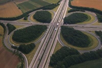 Conseils pour une conduite - il demeure détendue sur les autoroutes