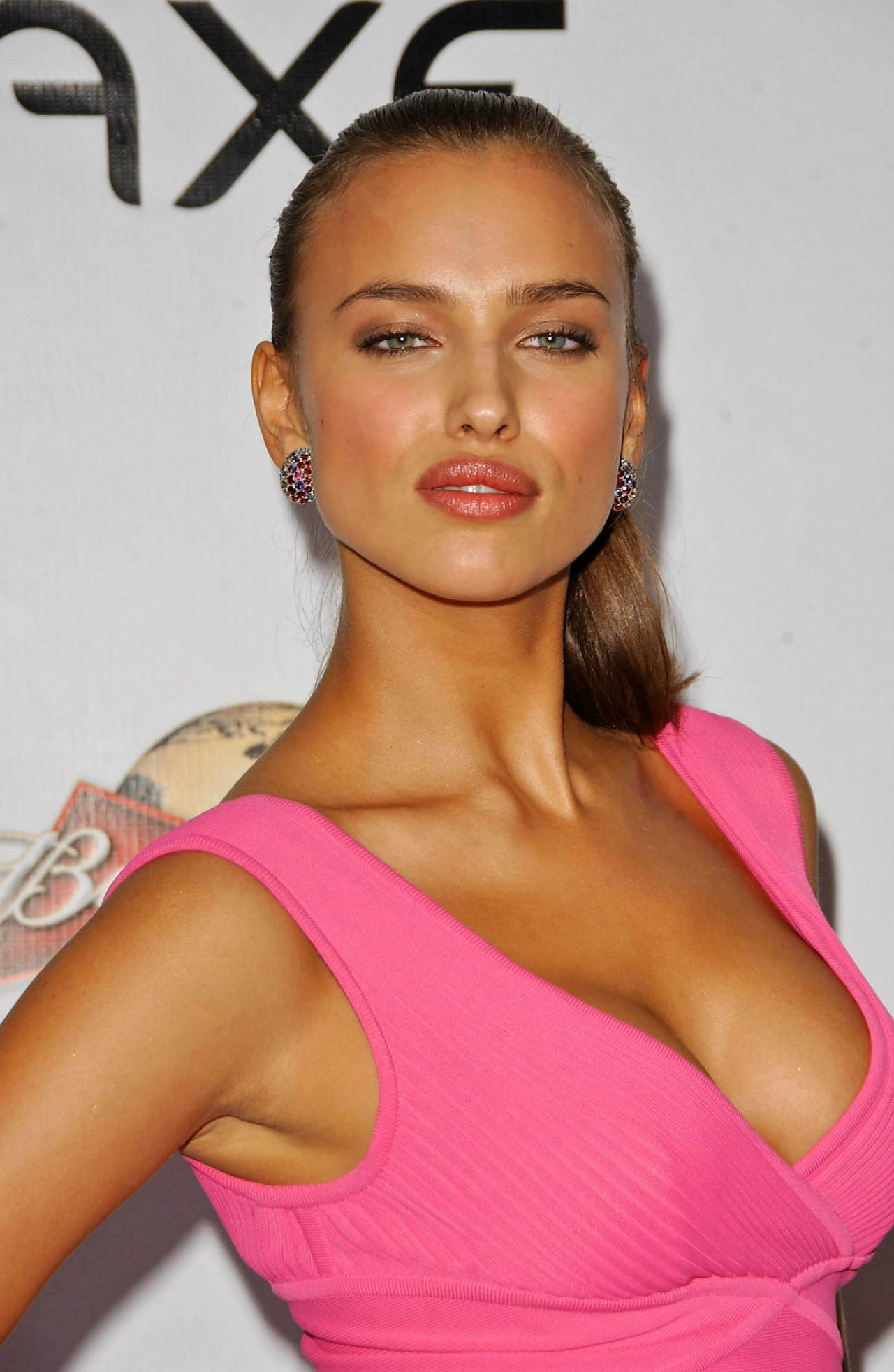 Bikini chaud beautés russes