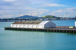 Monter sur un navire porte-conteneurs - vacances avec une différence