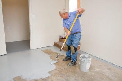 Mettre l'accent sur sol en béton - comment cela fonctionne: