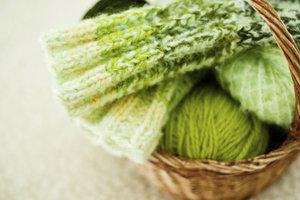 Tricoter des chaussettes sans aiguilles consignes - Tricoter sans aiguilles ...