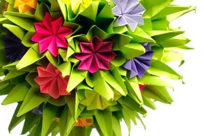 Fleurogami - des instructions pour des fleurs en papier astucieux pliage