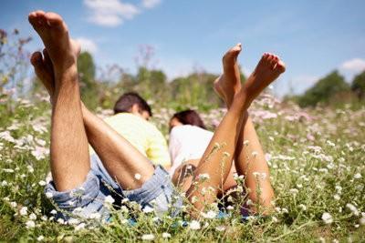 Astucieusement cacher jambes arquées avec des tenues classiques