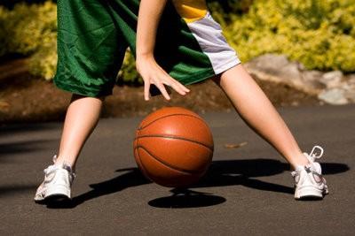 Réchauffement exercices avant le basket-ball - afin d'apporter les muscles de la température
