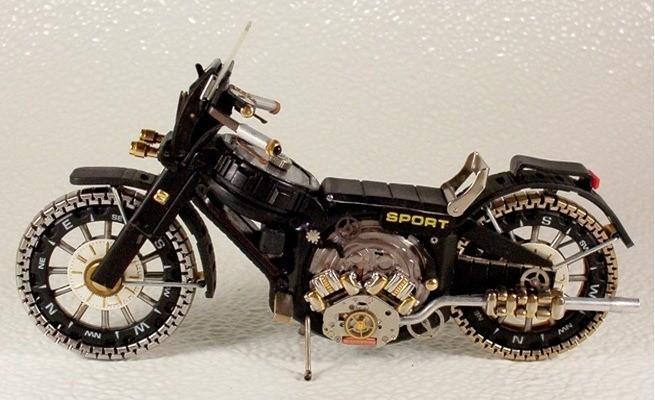 Belles minuscules Moto Fabriqué à partir de montres