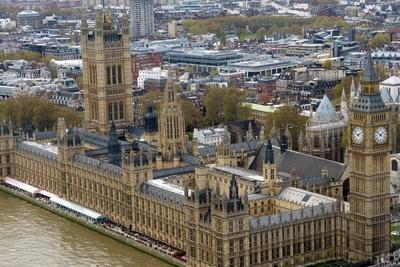 Pourquoi prendre une gauche en Angleterre?  - Découvrez pour la circulation à gauche