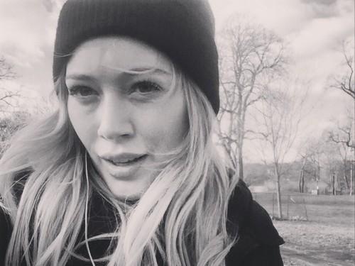 Hilary Duff ne crois pas que vous devez être avec une personne pour toujours, et je suis d'accord avec elle